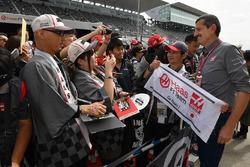 Haas F1 taraftarları ve Guenther Steiner, Haas F1 Takım patronu