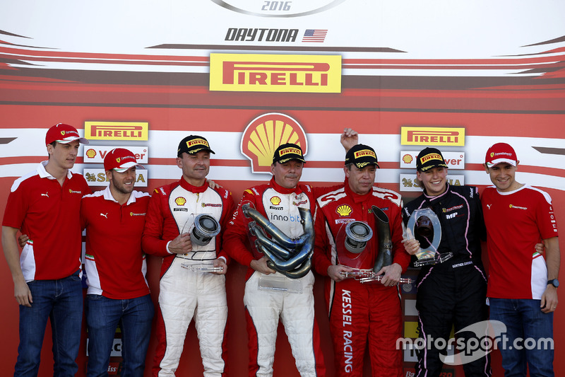 Podium: Ganador, Thomas Loefflad, StileF Squadra Corse; segundo, Vladimir Hladik, Baron Service; Ter