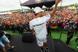 Lewis Hamilton, Mercedes AMG F1 and fans