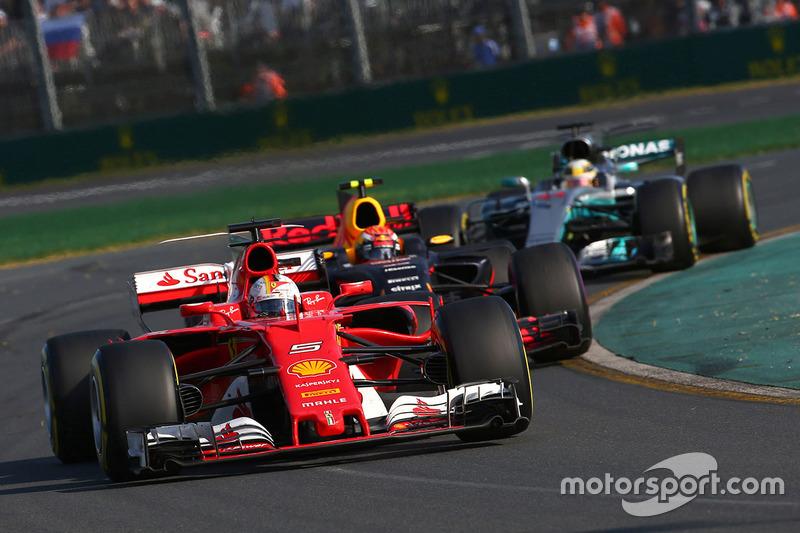 Vettel suma 154 vueltas al frente en Australia