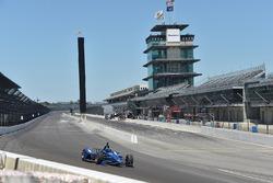 Juan Pablo Montoya teste l'IndyCar 2018 Chevrolet