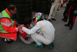 Nach dem Unfall: Mike Rockenfeller, Audi Sport Team Phoenix, Audi RS 5 DTM, Gary Paffett Mercedes-AMG Team HWA, Mercedes-AMG C63 DTM
