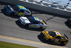 Michael McDowell, Leavine Family Racing, Chevrolet; Ty Dillon, Germain Racing, Chevrolet; Matt Kenseth, Joe Gibbs Racing, Toyota
