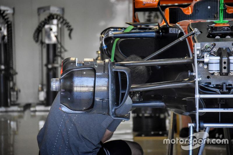 Передние тормоза McLaren MCL32