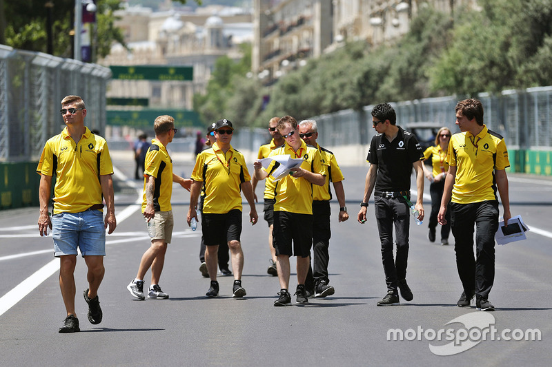 Kevin Magnussen, Renault Sport F1 Team y Esteban Ocon, Renault Sport F1 Team