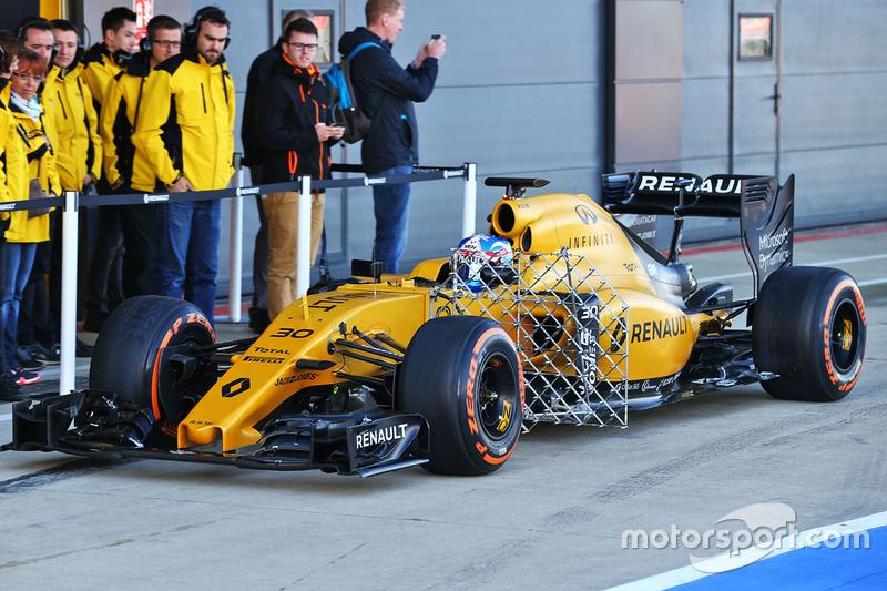 Jolyon Palmer, Renault Sport F1 Team RS16 running sensor equipment
