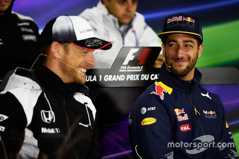 (L to R): Jenson Button, McLaren and Daniel Ricciardo, Red Bull Racing in the FIA Press Conference