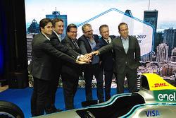 (L-R) Nelson Piquet Jr., NEXTEV TCR Formula E Team, Alejandro Agag, CEO of Formula E, Denis Coderre, Mayor of Montréal, Alexandre Taillefer, Honorary president, Sylvain Vincent, Montréal c'est électrique president and Geoff Molson