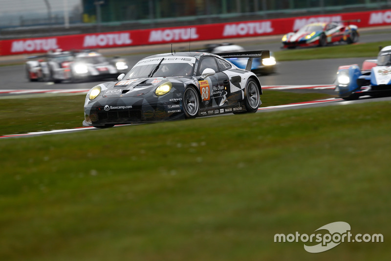 #88 Proton Racing, Porsche 911 RSR: Khaled Al Qubaisi, David Heinemeier Hansson, Klaus Bachler