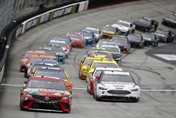 Kyle Busch, Joe Gibbs Racing, Toyota Camry Skittles Brad Keselowski, Team Penske, Ford Fusion Discount Tire