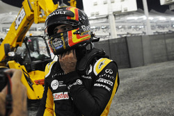 Carlos Sainz Jr., Renault Sport F1 Team RS17 si ritira