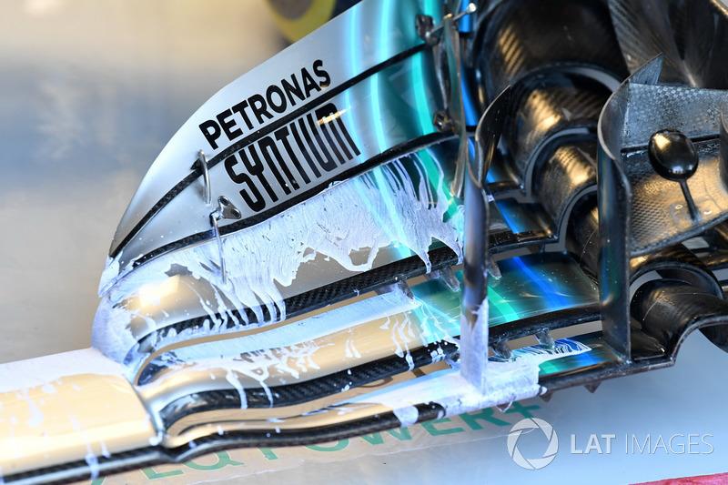Mercedes-AMG F1 W09,első szárny, részlet