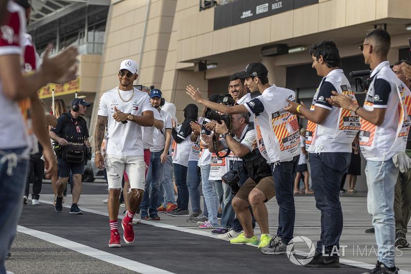 Lewis Hamilton, Mercedes-AMG F1 en el desfile de pilotos