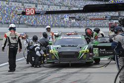 #44 Magnus Racing Audi R8 LMS GT3, GTD: John Potter, Andy Lally, Andrew Davis, Markus Winkelhock pit stop