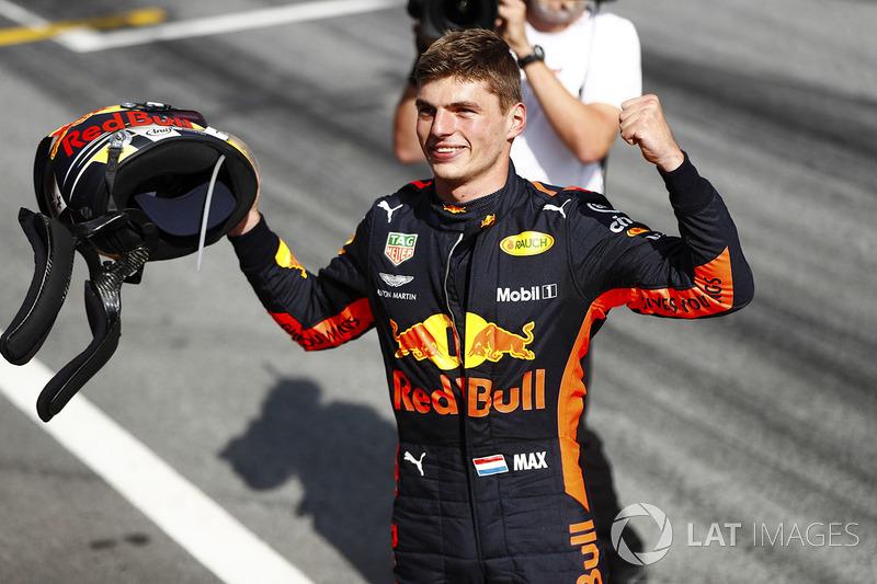 Podio: il vincitore della gara Max Verstappen, Red Bull Racing