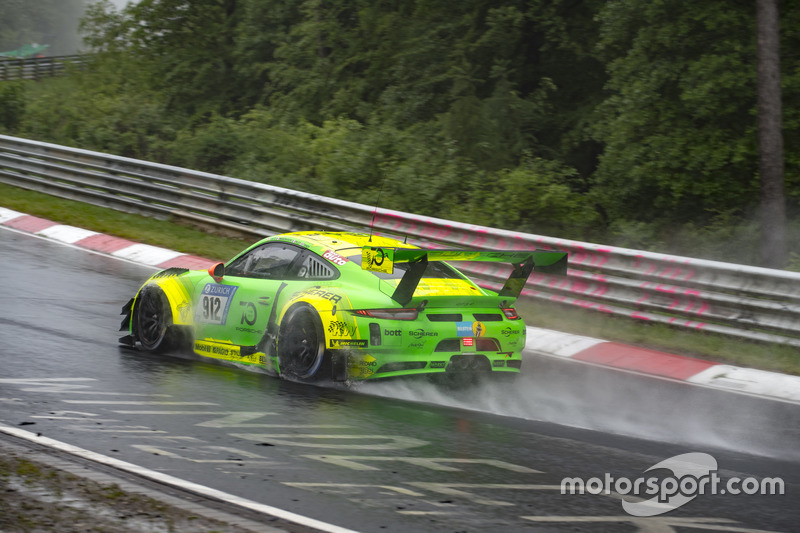 Рихард Лиц, Патрик Пиле, Фредерик Маковецки, Ник Тэнди, Manthey Racing, Porsche 911 GT3 R (№912)
