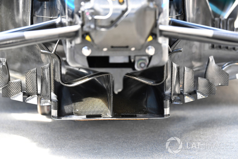Mercedes-AMG F1 W09 front floor detail