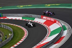 Sergey Sirotkin, Williams FW41 and Pierre Gasly, Scuderia Toro Rosso STR13