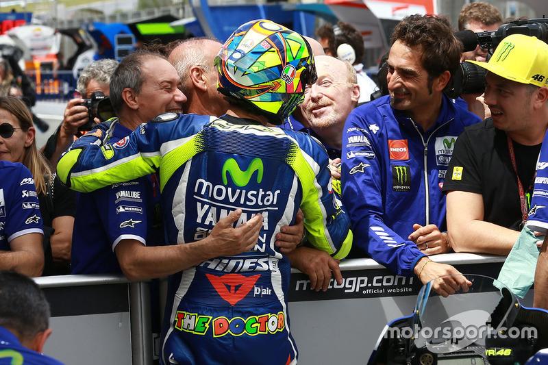 Polesitter Valentino Rossi, Yamaha Factory Racing with Silvano Galbusera and Luca Cadalora