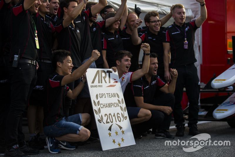 Charles Leclerc, ART Grand Prix; Nirei Fukuzumi, ART Grand Prix; Alexander Albon, ART Grand Prix and Nyck De Vries, ART Grand Prix celebrate with the GP3 ART Grand Prix team on winning the GP3 Series Teams' Championship