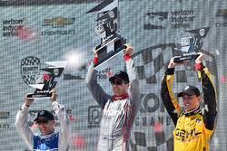 Podium: Sieger Will Power, Team Penske, Chevrolet; 2. Tony Kanaan, Chip Ganassi Racing, Chevrolet; 3