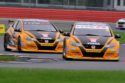 #52 Gordon Shedden, Halfords Yuasa Racing, Honda Civic Type R