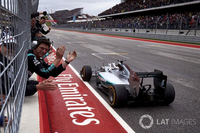 2015 - Austin: Lewis Hamilton, Mercedes F1 W06 Hybrid