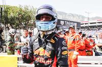 Daniel Ricciardo, Red Bull Racing, festeggia la pole position