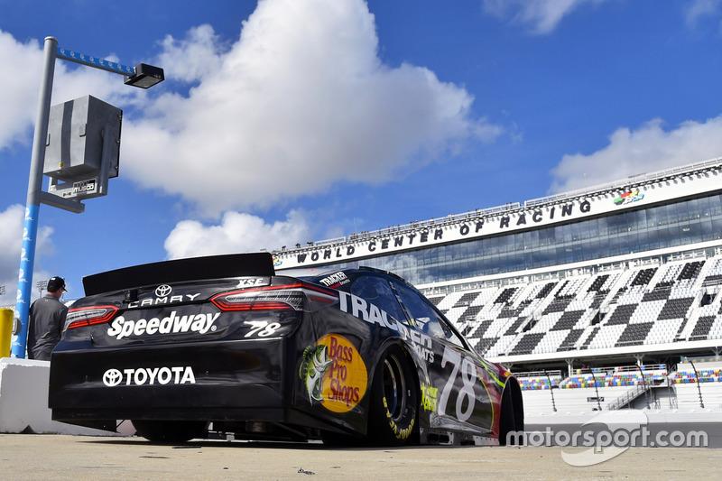 Martin Truex Jr., Furniture Row Racing, 5-hour ENERGY/Bass Pro Shops Toyota Camry