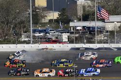 Chase Elliott, Hendrick Motorsports Chevrolet Camaro wrecks