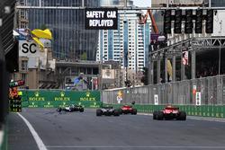 Valtteri Bottas, Mercedes-AMG F1 W09 EQ Power+, Lewis Hamilton, Mercedes-AMG F1 W09 EQ Power+, Sebastian Vettel, Ferrari SF71H ve Kimi Raikkonen, Ferrari SF71H