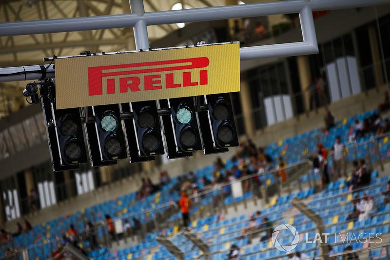 A Pirelli logo over the start lights