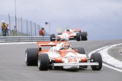 Bruno Giacomelli, Alfa Romeo 179B ve Mario Andretti, Alfa Romeo 179B