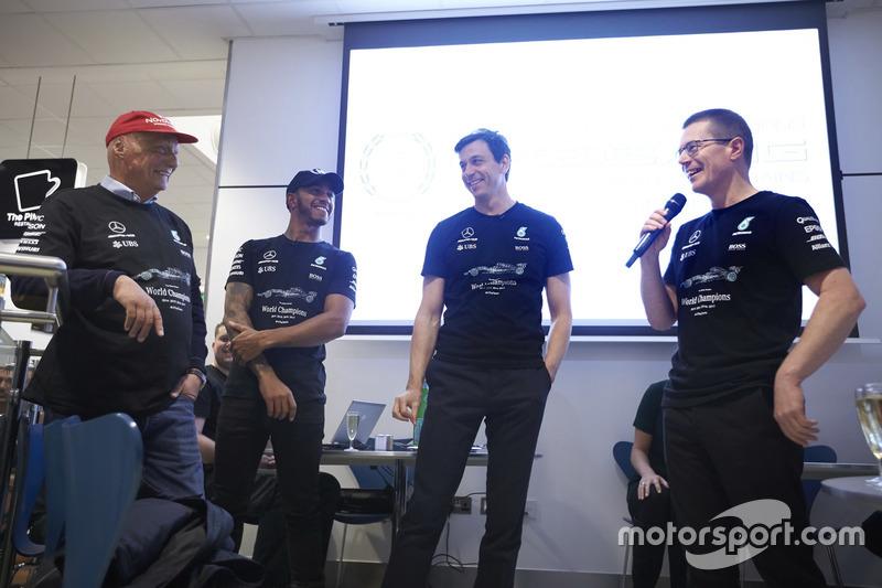 Niki Lauda, président non exécutif Mercedes AMG F1,   Lewis Hamilton, Mercedes AMG F1, Toto Wolff, directeur exécutif Mercedes AMG F1