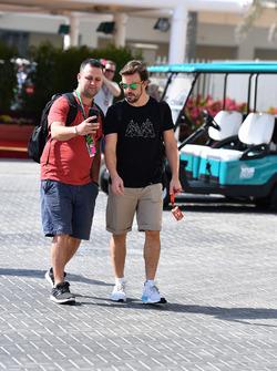 Fernando Alonso, McLaren y un fan