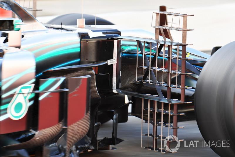 Аэродинамический датчик Mercedes AMG F1 W09
