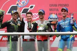 Le deuxième Johann Zarco, Monster Yamaha Tech 3, Lucio Cecchinello, le vainqueur Cal Crutchlow, Team LCR Honda, le troisième Alex Rins, Team Suzuki MotoGP
