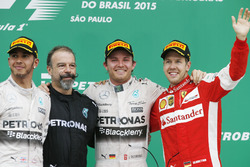 Podium: second place Lewis Hamilton, Mercedes AMG, James Waddell, Composite Technician, Mercedes AMG