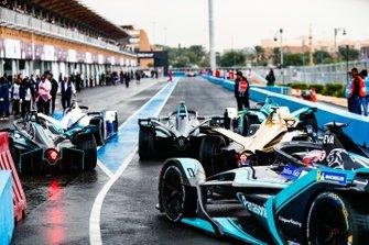 Mitch Evans, Panasonic Jaguar Racing, Jaguar I-Type 3 follows the field out of the pit lane