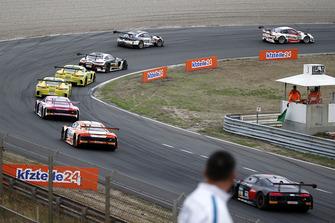 Restart, #99 Precote Herberth Motorsport Porsche 911 GT3 R: Robert Renauer, Mathieu Jaminet leads
