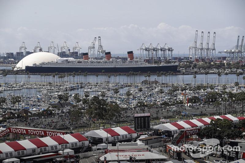 Queen Mary im Hafen von Long Beach