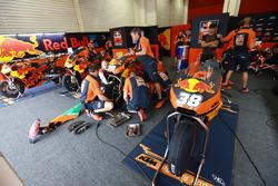 Le garage de Bradley Smith, Red Bull KTM Factory Racing