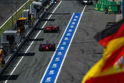 Данііл Квят, Scuderia Toro Rosso STR12, Кімі Райкконен, Ferrari SF70H