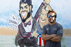 Fernando Alonso, McLaren, alongside a caricature