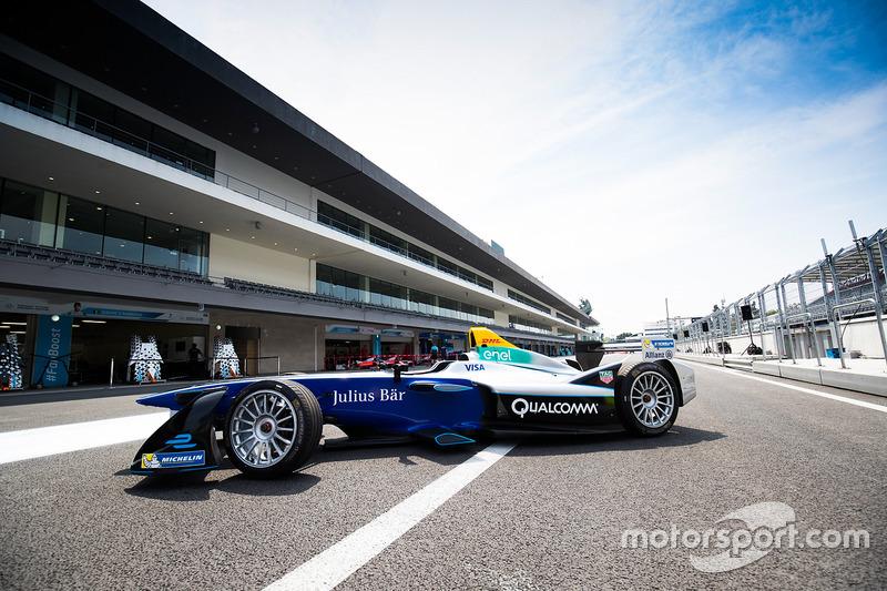 El Formula E show car