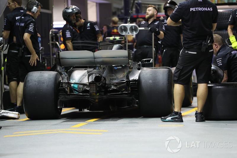 Mercedes F1 W08: Heckflügel mit Monkey-Seat