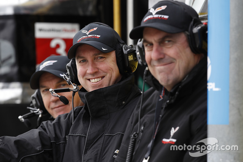 Mark Kent, Director - GM Racing en General Motors, y Mark Reuss, General Motors Company