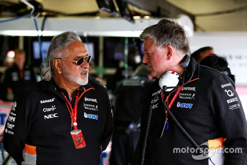Власник Sahara Force India Team Віджей Маллья, операційний директор Sahara Force India F1 Отмар Сафнауер