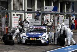 Boxenstopp: Maxime Martin, BMW Team RBM, BMW M4 DTM
