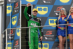 Podium: race winner Chaz Mostert, Rod Nash Racing Ford, second place Mark Winterbottom, Prodrive Racing Australia Ford